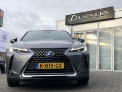 Lexus-UX-2