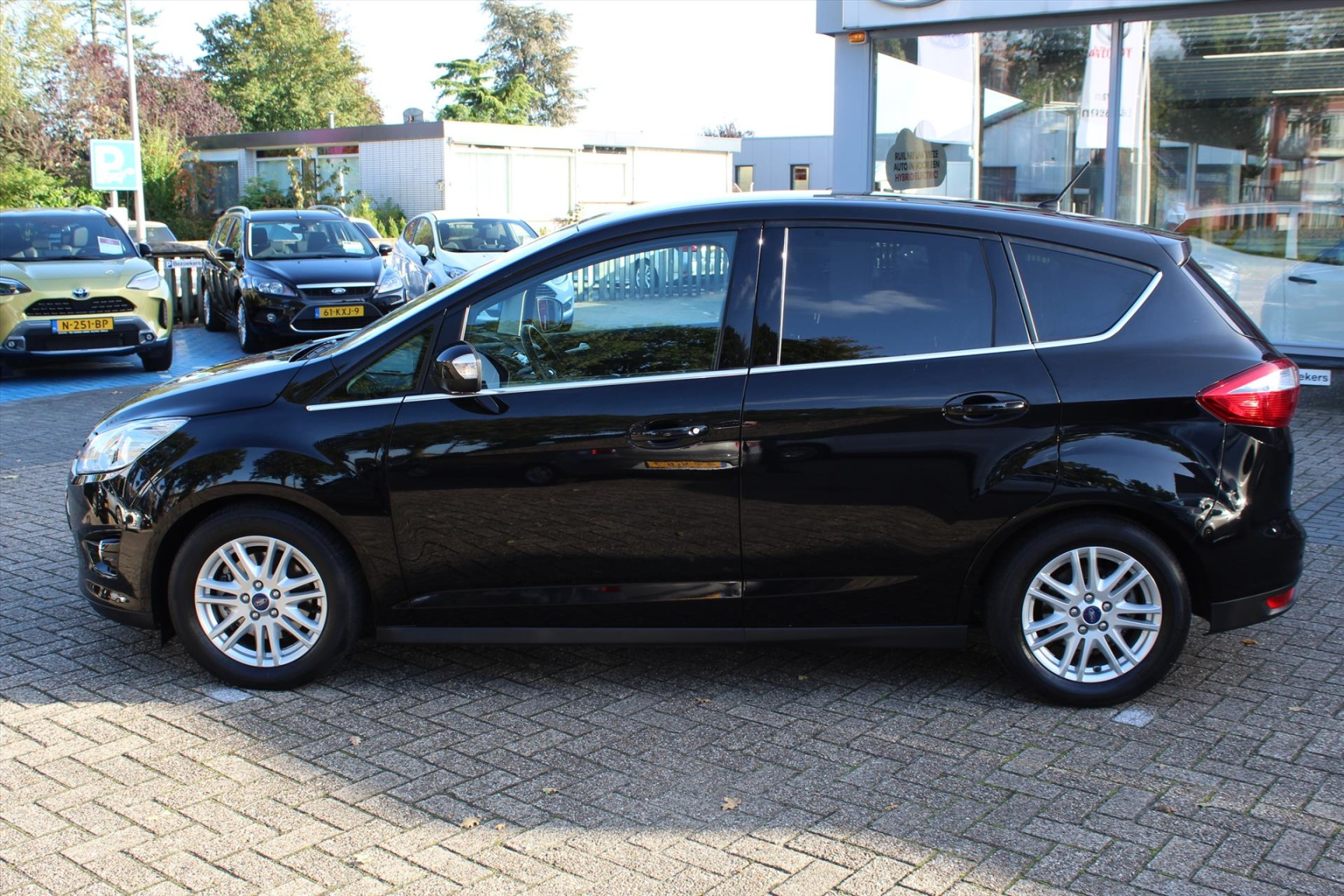 Ford-C-MAX-14