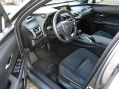 Lexus-UX-8