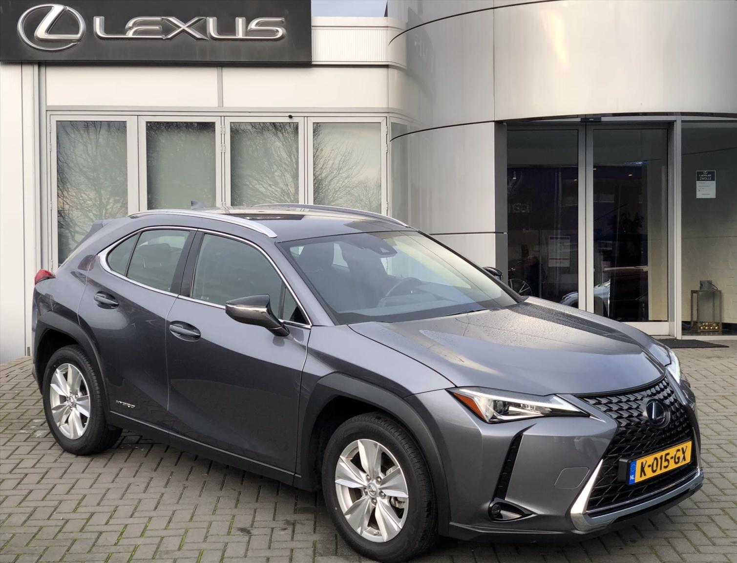Lexus-UX-0