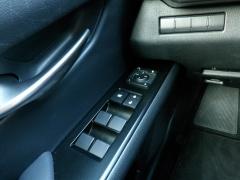 Lexus-UX-19