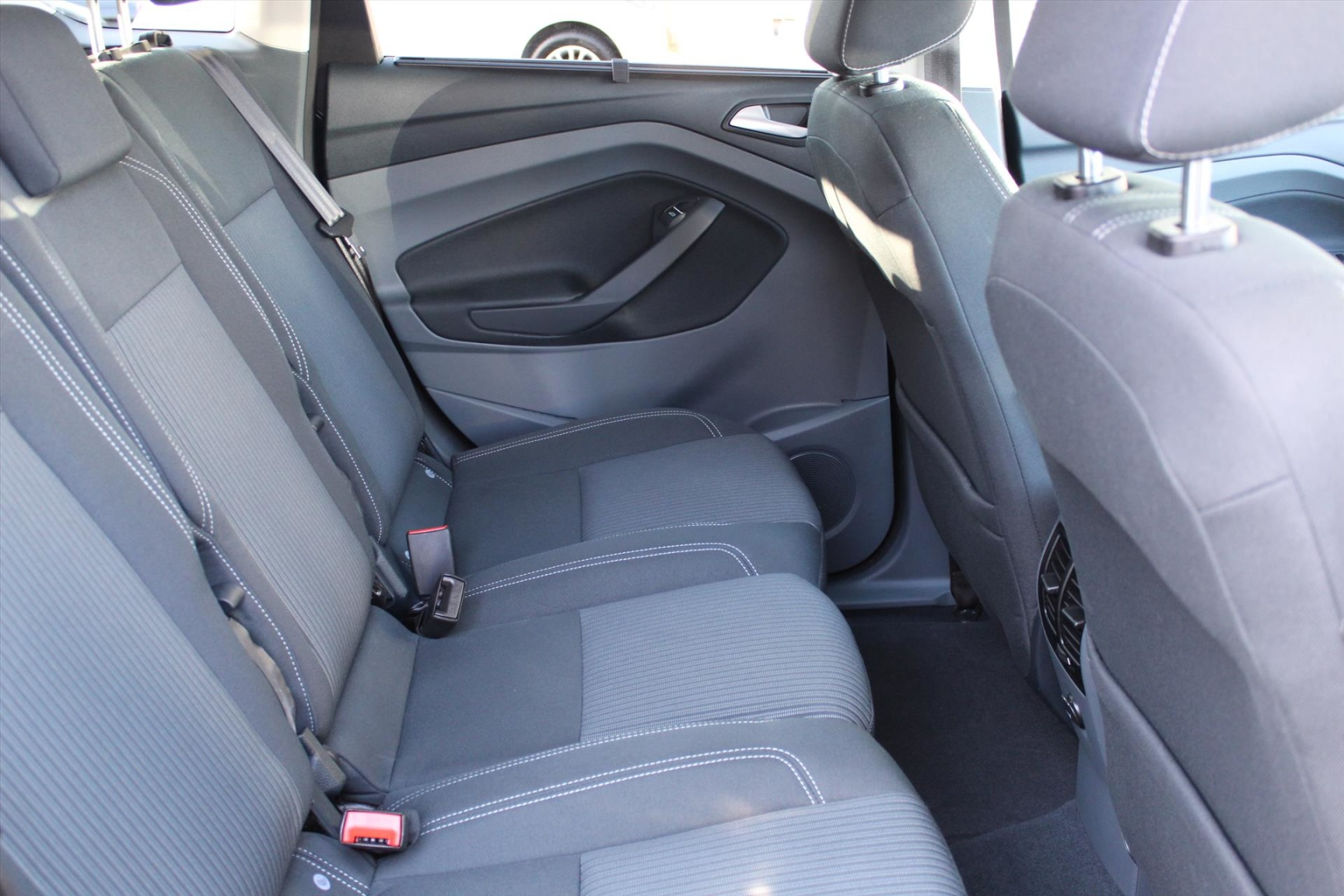 Ford-C-MAX-20