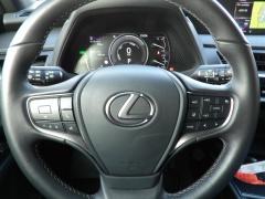 Lexus-UX-16