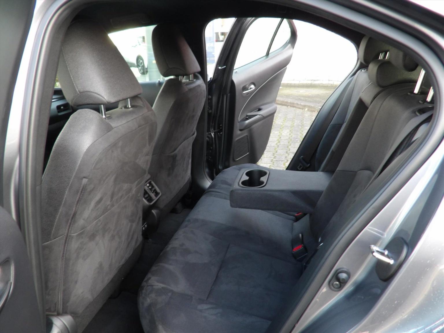 Lexus-UX-9